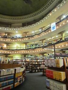 A livraria que já foi teatro.